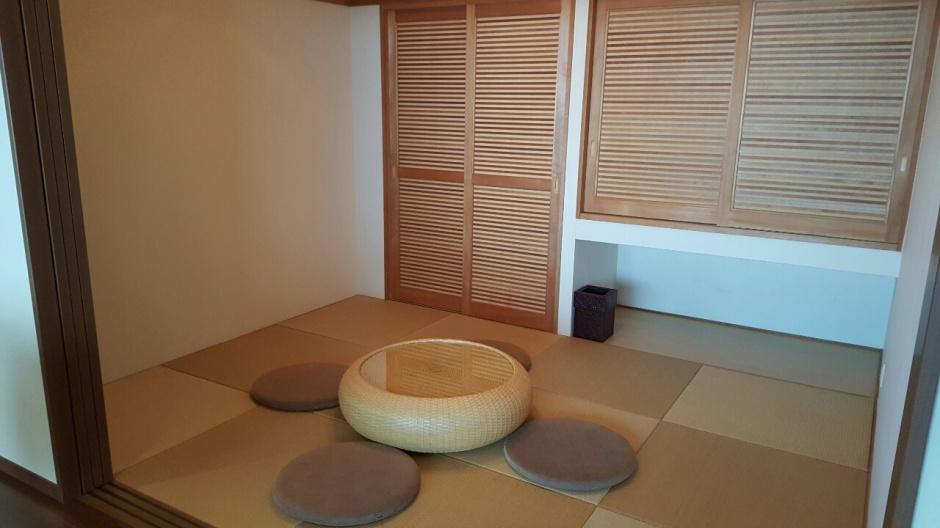 lviing room 2