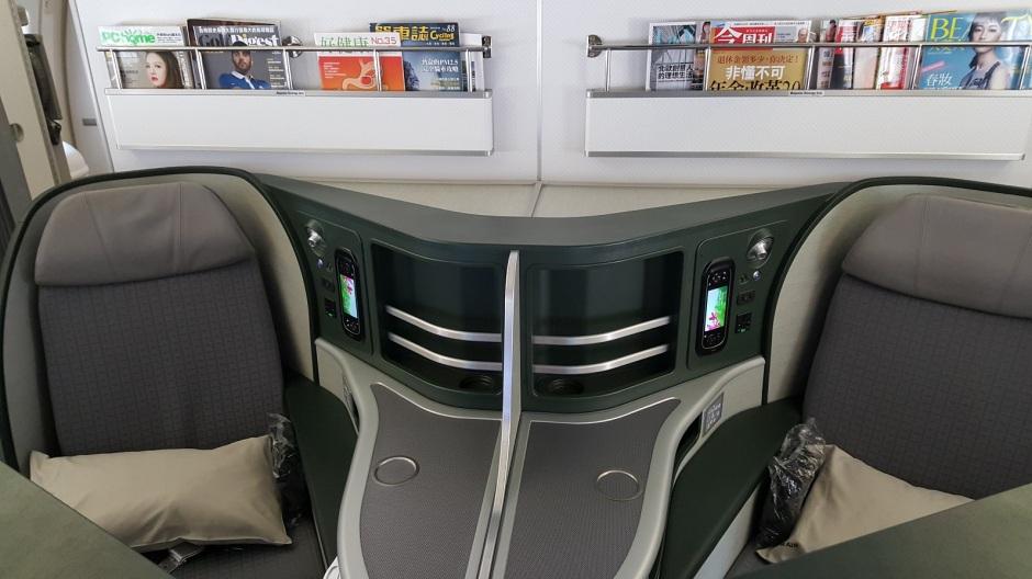 eva-kix-to-tpe-seat-2